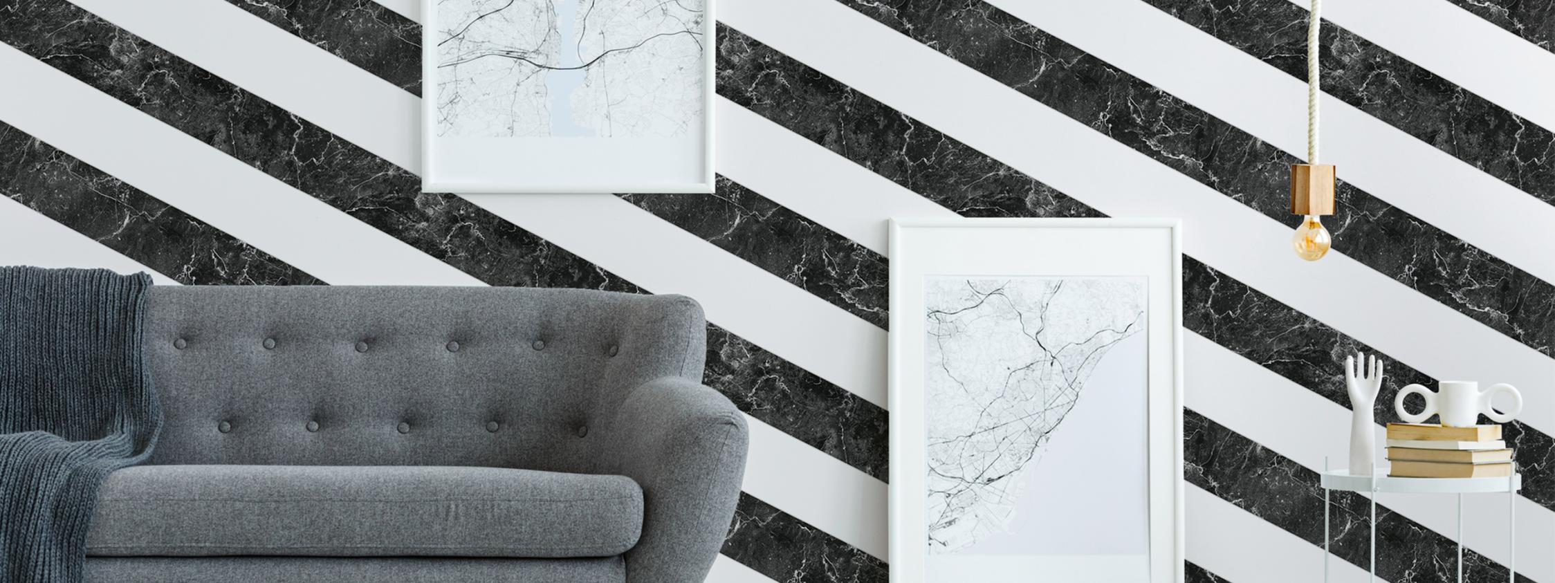 Modernes Wohnzimmer mit gestreifter Marmor Tapete  Artikel AS379921