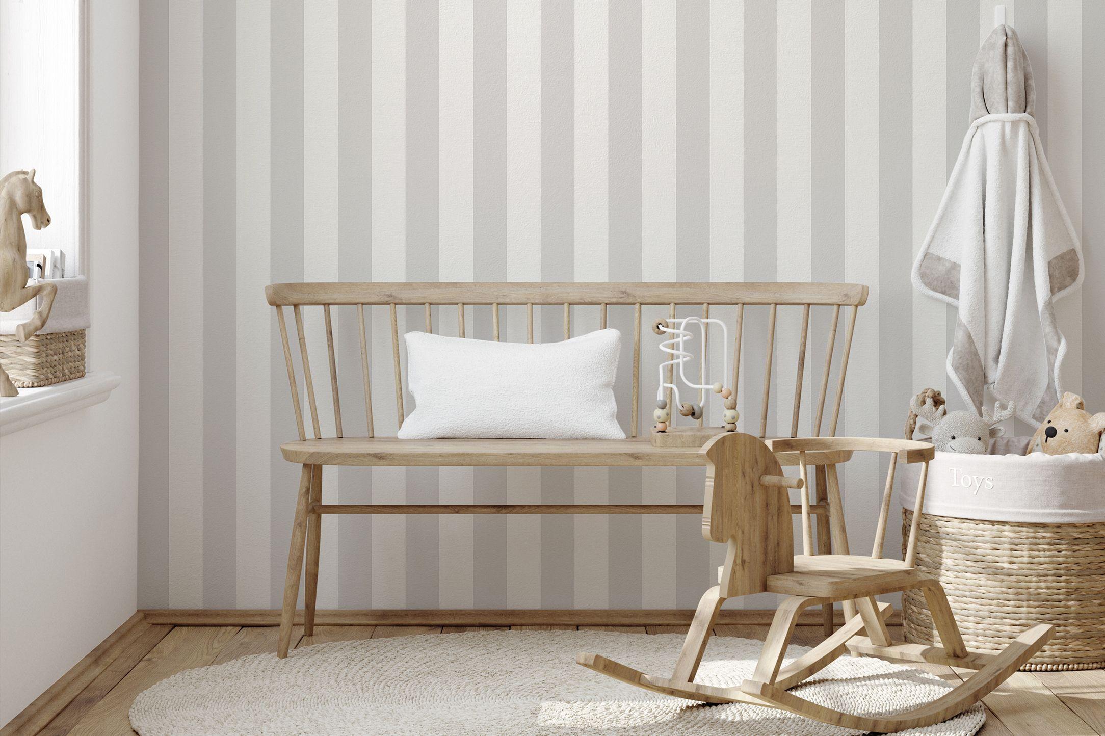 Babyzimmer-Tapete-graue-Streifen-AS314031