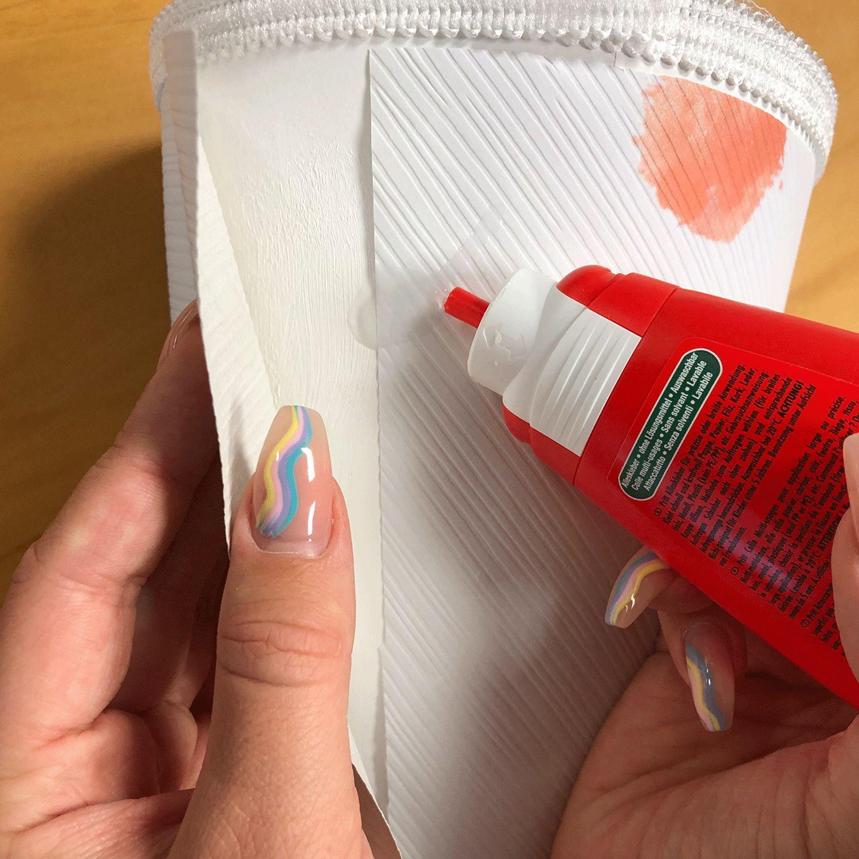DIY Schultüte aus gepunkteter Tapete